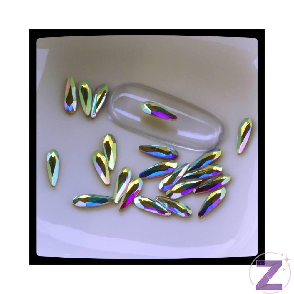 Zodiac üveg cseppforma körömdísz. 8mm*3mm közepes méretű hosszúkás cseppforma AB színjátszó színben.